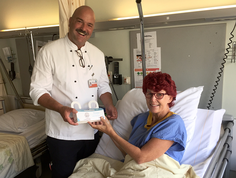 Bril en gehoorapparaat mee naar de operatiekamer dankzij 'bedbox ...